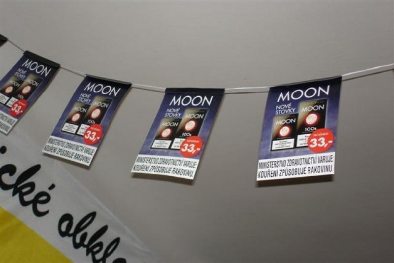 Papírové vlajkové řetězce - Moon