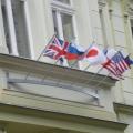 Držák stříbrošedý pro vlajky