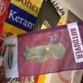 Reklamní vlajky na tyčky na plotech - Cetelem
